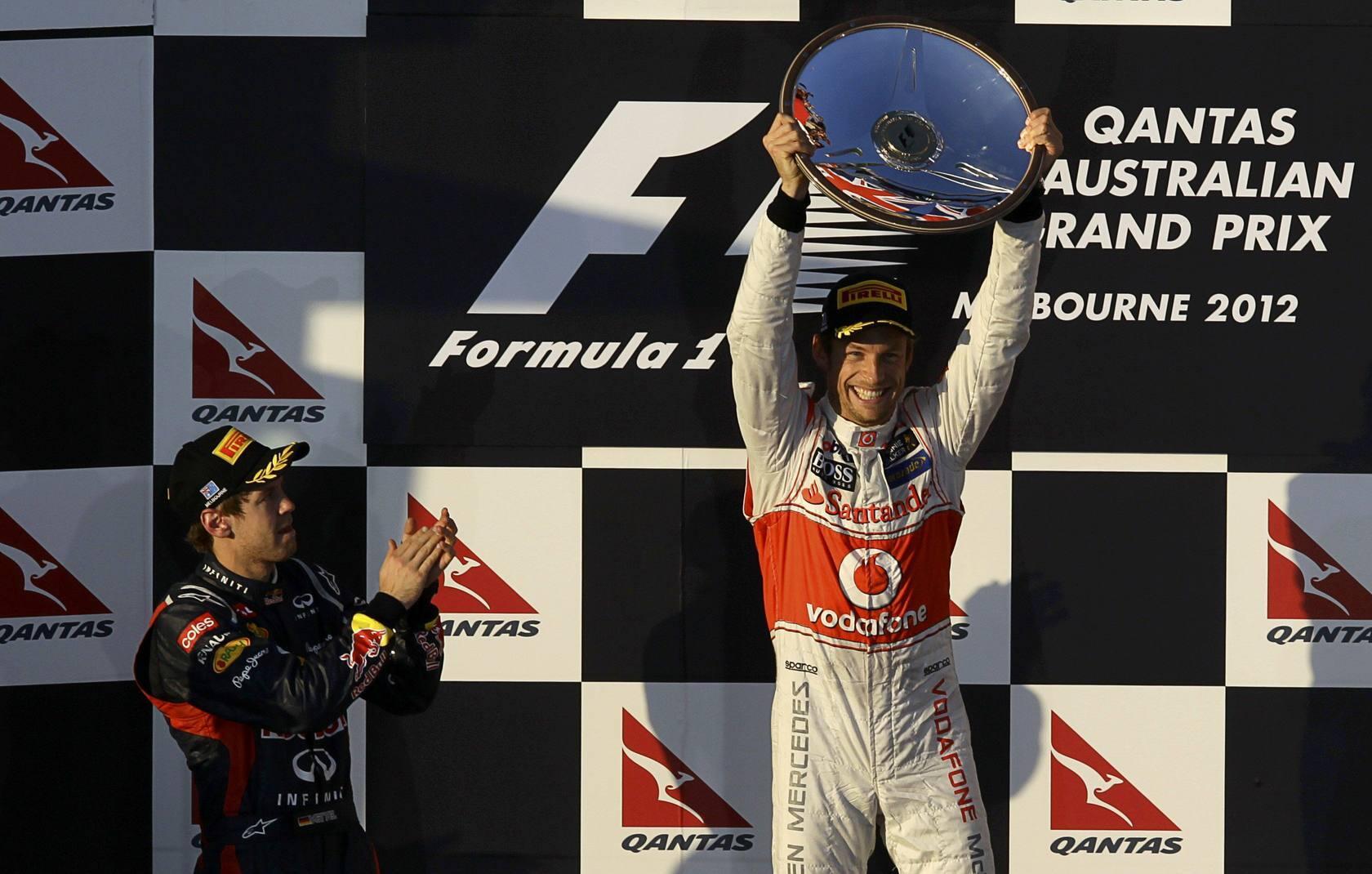 Button gana en Australia