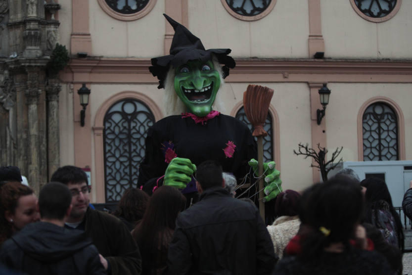 Quema de la Bruja Piti - Carnaval de C&aacute;diz 2013