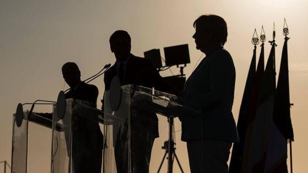 Las mejores imágenes del encuentro de Hollande, Merkel y Renzi
