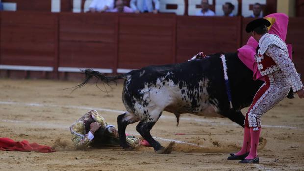 Talavante y Roca Rey salen a hombros en el broche taurino de la Feria de Jerez
