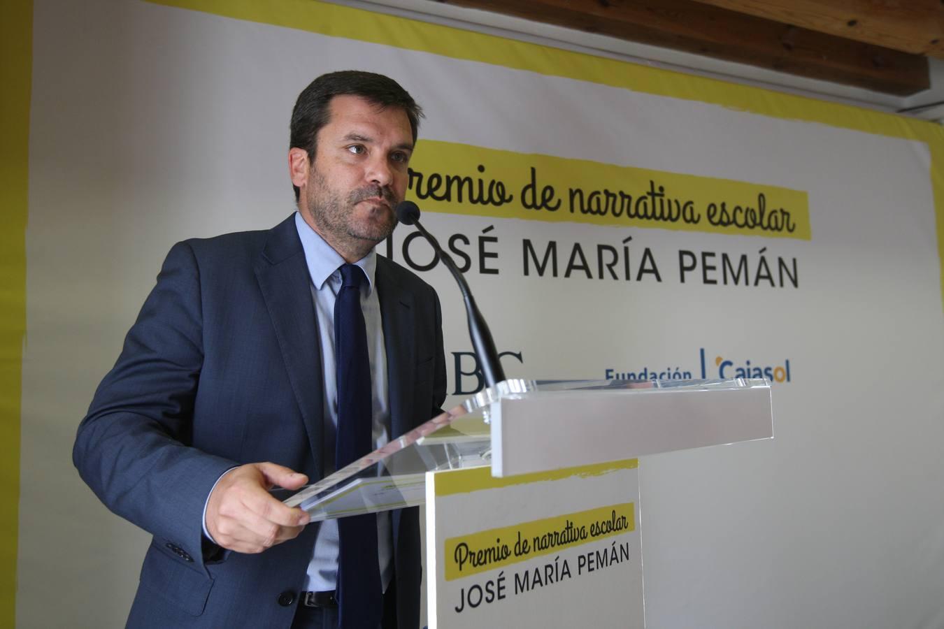 Ignacio Moreno Bustamante, director de La Voz del Cádiz, presentando el acto