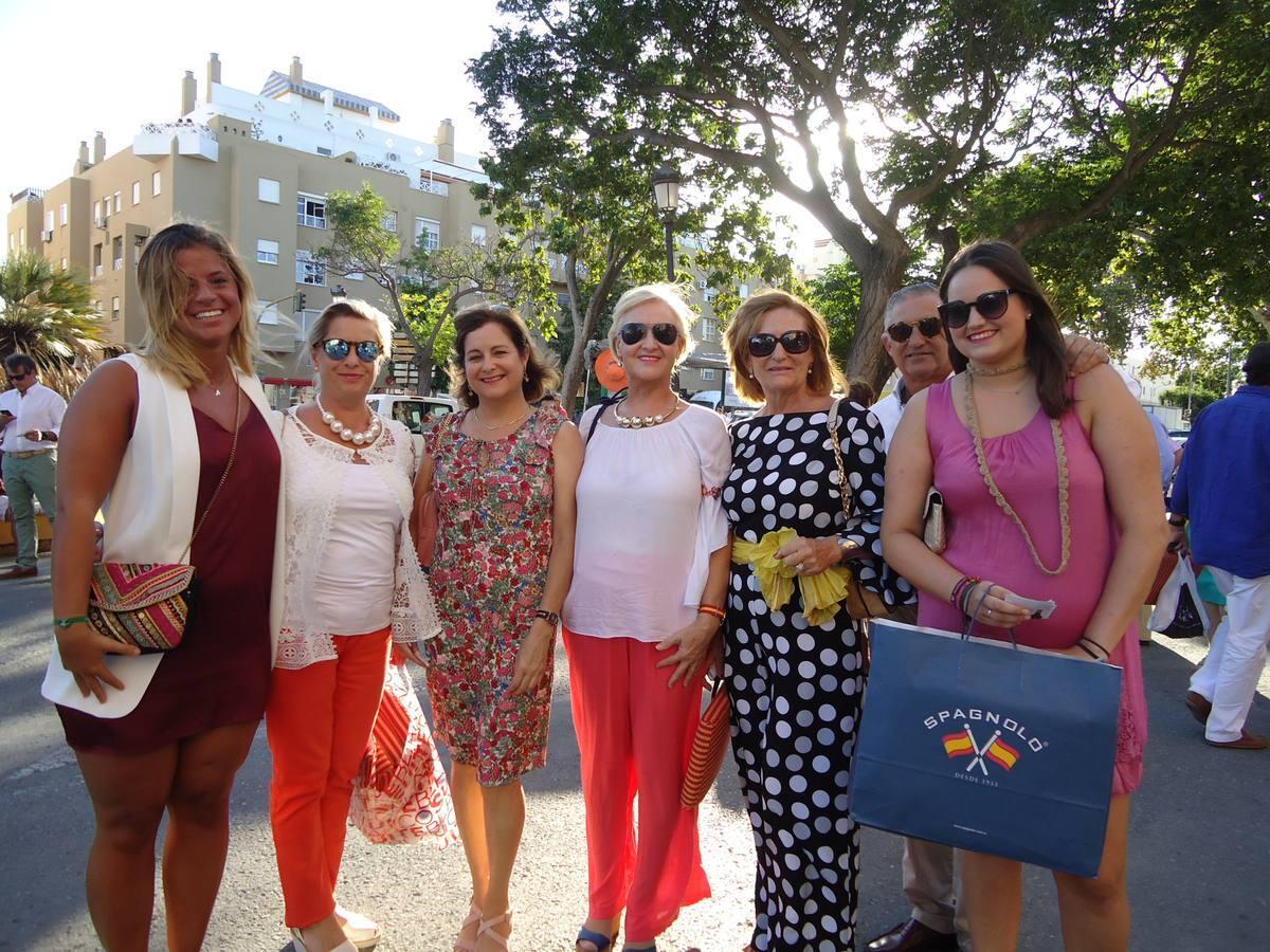 Macarena Ibáñez, Mari Barranco, Maribel Fernández, Carmen Crespo, Paqui García y Olivia Luque