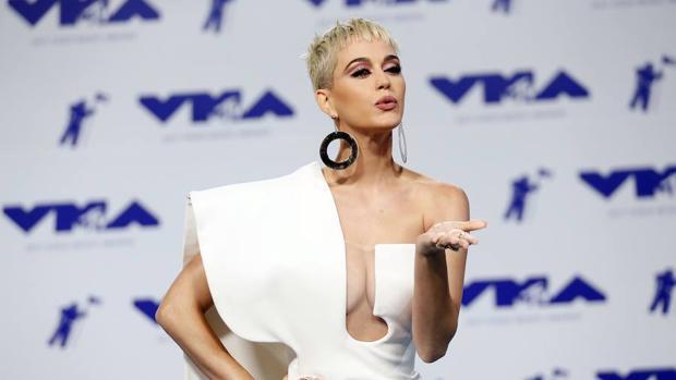 La alfombra roja de los VMAs, en imágenes