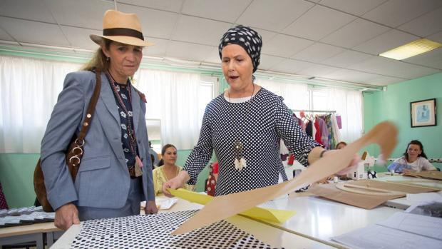 La Infanta Elena visita la Fundación Alalá en Sevilla