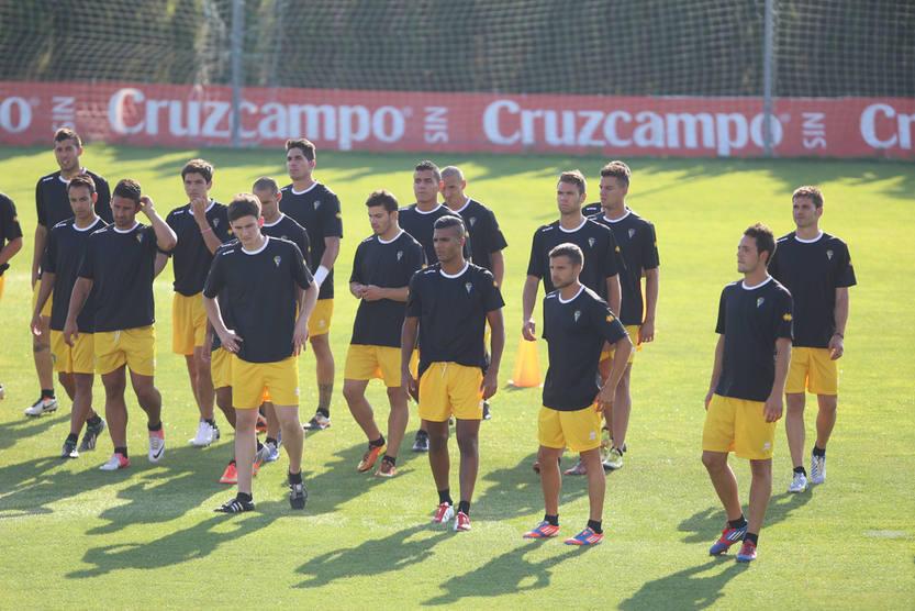 Primer entrenamiento del Cádiz para la temporada 2013-2014