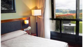 Descubre Torazo, Asturias: 1 noche con SPA para dos personas