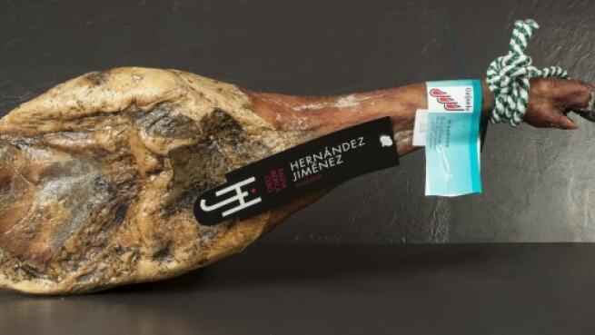 Paleta de Guijuelo de cebo 50% raza ibérica (4,5kg) + chorizo, salchichón y lomo de bellota